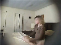 Naked MILF is not aware of my cam